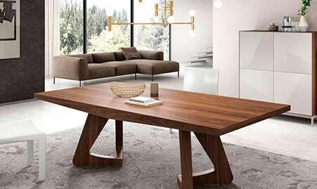 Mesa de comedor fija de madera