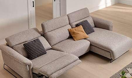 Sofá relax tapizado en tela